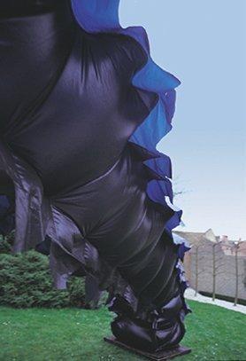 Opblaasvolume, 1999, gecoate polyamide 1999, 9mx1mx1m